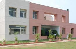 शिक्षकों के लिए आवासीय भवन स्कूल परिसर में ही तैयार करेगी सरकार