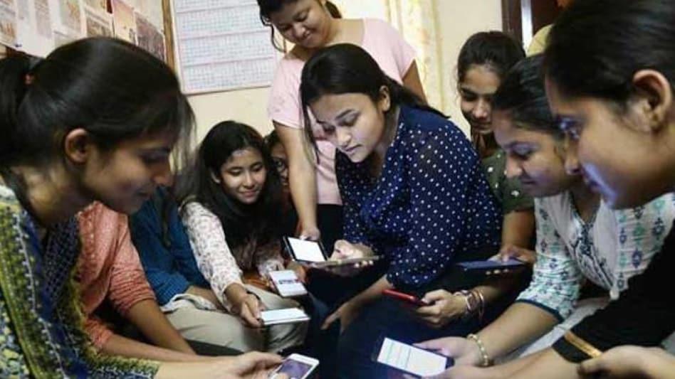 NEET-UG 2021: सोशल मीडिया पर NEET एग्जाम पोस्टपोन करने की मांग